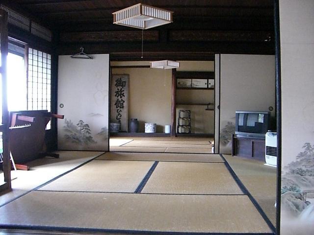 http://www.egao-school.net/report/kumamoto/images/kyusyuu%205%20tatami.JPG