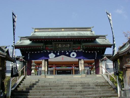 http://www.egao-school.net/report/kumamoto/images/kyusyuu%205%20temple.JPG